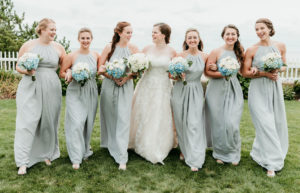 bride and bridesmaids flower bouquets