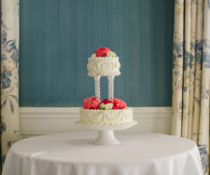 Oyster Harbors Wedding Cake Flowers